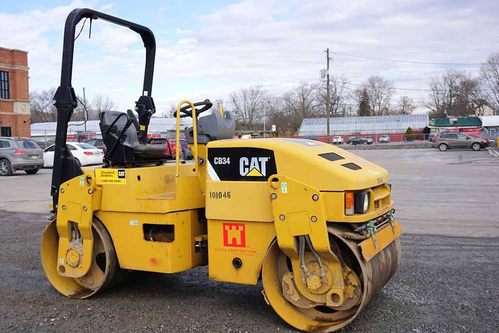 CAT CB45 Tandem Roller